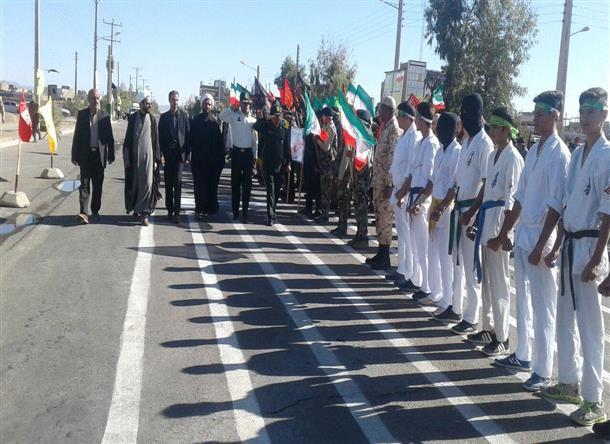 فرماندار خوسف در مراسم رژه نيروهاي مسلح شهرستان حضور يافت