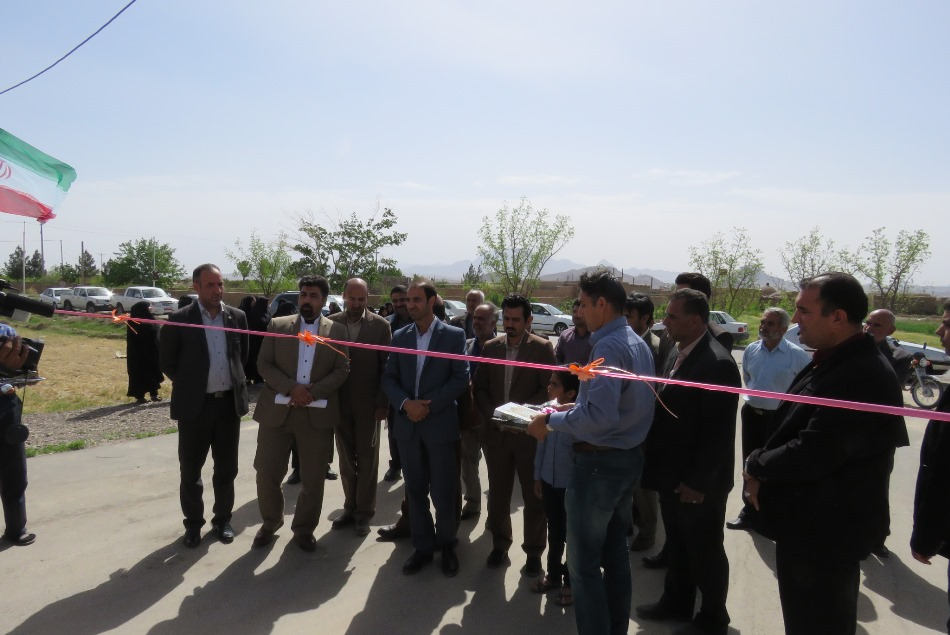 6800 متر مربع اسفالت معابر در روستاي مهديه به نمايندگي از پروژه هاي بنياد مسكن شهرستان خوسف افتتاح شد